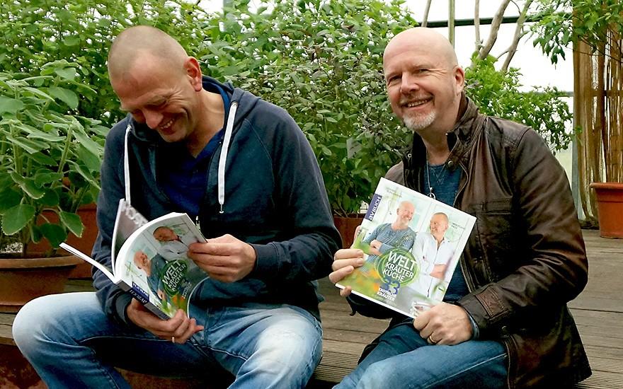Die Autoren freuen sich. (Wolfgang Pade und Daniel Rühlemann)